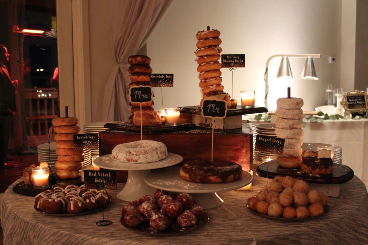 images of cakes and desserts sitting on a table
